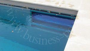 Фото: Распологение вала жалюзи в стене бассейна с перегородкой