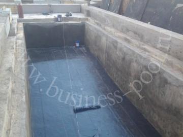 Фото: Наружная гидроизоляция внутри черновой чаши для бассейна