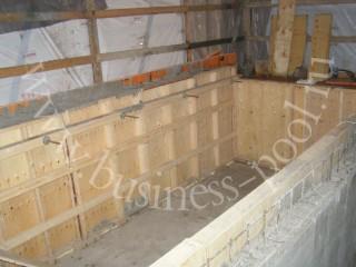Фото: Опалубка бетонного бассейна