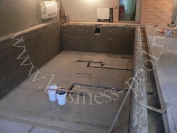 Фото: Третий этап строительства - бетонирование бассейна